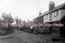 BK 61 - Hurst Village, Berkshire c1920 Pub etc - 6x4 Photo