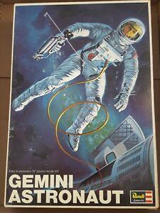Revell Vintage Gemini Astronaut Plastic Model Kit 1967 Made in USA. NASA