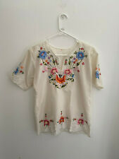Vintage White Embroidered Boho Mexican Top sz 36 Flaw