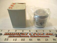 SUZUKI GS550E PISTON STD BORE 12111-47001 80 81 82 GS 550 E L M T        kac