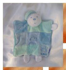 Doudou Kaloo Ours Plat Marionnette Blanc Patchwork Bleu Vert Poisson Crabe