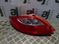 MAZDA 2 SPORT 1.3 2014 PASSENGER SIDE REAR LIGHT CLUSTER D65151160