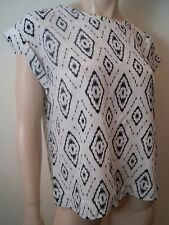 THEORY Off White & Black 100% Silk Abstract Print Round Neck Short Sleeve Top M