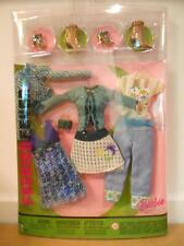 Barbie FASHION FEVER CLOTHES CLOSET MIX AND MATCH G9049