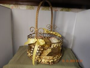 Copper Colored Wire/Basket Weave Three Beaded Eggs