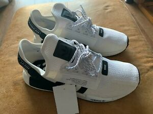 ADIDAS NMD R1 V2 MENS TRAINERS SIZE 10.5 BRAND NEW WHITE AND BLACK