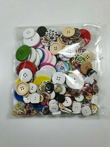 200 Mixed buttons for sewing, knitting and crafting