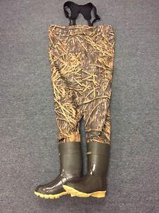 NEW Kobuk Men's Shadow Grass Premium Breathable Hunting Wader Lug Boots Size 9R