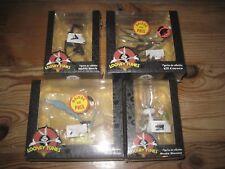 Lot de 4 Figurines loony tunes Bip-bip, Bugs bunny,daffy duck , coyotte NEUF