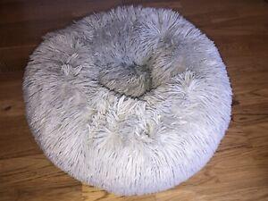 Small Pet Puppy Dog Cat Kitten Rabbit Calming Relaxing Anxiety Stress Fluffy Bed