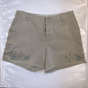 Gap Women's Size 8  Khaki Shorts Button Closure  With Flower Floral Print Frayed