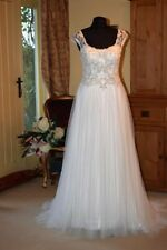 Beading Scoop Neck A-line Sleeveless Wedding Dresses