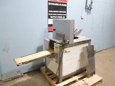 """Benier Cg102"" H.D. Commercial 2 Pockets Conveyor Kaiser Roll Stamper Machine"