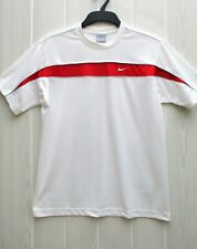 T-shirt NIKE taille M / 100 % polyester