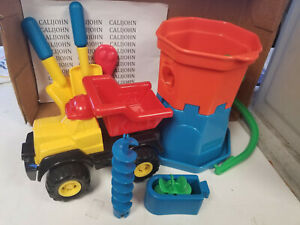 International Playthings  Beach Sandmill Dump Truck set 8 pieces