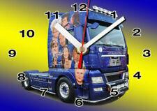 Camions miniatures bleus MAN