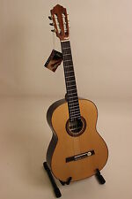 Concert Guitar Höfner HF18 with Laurel corpus Recommendation Magazine Acoustic
