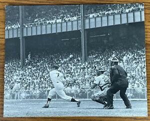 MICKEY MANTLE 8x10 PHOTO BASEBALL SWING NEW YORK YANKEES STADIUM Glossy Print