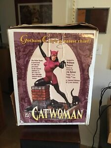 Catwoman Statue #3650/3700 DC Comics Sculpted By William Paquet