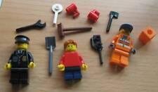 Lego 3 verschiedene Figuren aus der Stadt mit viel Zubehör