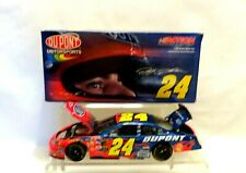 NASCAR JEFF GORDON #24  DUPONT  2005 MONTE CARLO  1/24  DIECAST    (81)