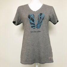 Life is Good Womens Tee Crusher Vee Livin On A Pair Flip Flop Heather Gray Small