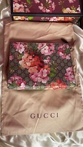 LIMITED EDITION Designer Authentic Gucci Blooms Pouch Handbag