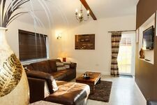Luxury Laurel Cottage, Private Hot Tub, Sauna & Free Fishing Lincolnshire