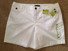 NEW Women's Lee Size 18 Natural Fit, Instantly Slims You, White Shorts