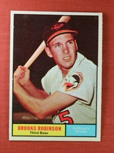 ∎ 1961 TOPPS baseball card BROOKS ROBINSON #10 **MINT CARD**