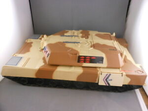 Vtg Galoob Micro Machines 1993 USMC Battle Tank Fold Out Carry Case Playset
