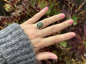 925 Sterling Silver Labradorite Oval Ring - Eyecatching Design 💙