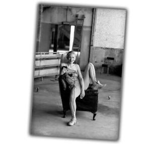 artist of circus Woman Pinup Retro Vintage beautiful classic Rare photo 4x6 L