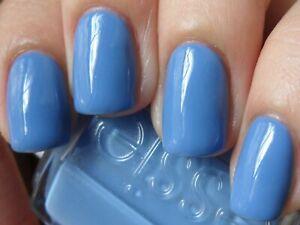 ESSIE Vernis à ongles Classique Les Bleus 717 LAPIS OF LUXURY LAPIZ BLEU 13.5ml