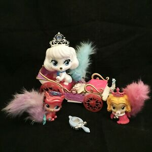 PALACE PETS Royal Carriage Teacup TALKING AND SINGING Pumpkin + Furry Treasure