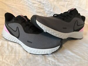 NIKE REVOLUTION 5 WOMEN'S RUNNING ATHLETIC SHOES SIZE BLK/PINK US 11 COMFORTABLE
