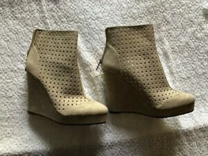 Michael Angelo Bootie Shoes 9 - Ivory - New