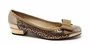 Ros Hommerson Womens Trisha Slip On Flat Shoes Bronze Leather Size 8 SS