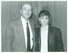 MELISSA GILBERT WITH FOREIGN PRESS WRITER RARE ORIGINAL CANDID 1981 PRESS PHOTO