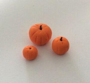 3 Assorted Pumpkins Dolls House Miniatures Kitchen Halloween Garden