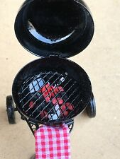 1:12 Scale Metal Barbecue Kettle With Hot Coals Tumdee Dolls House Garden BBQ V