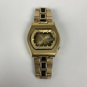 1973 Two Tone Bulova Accutron Date Day 2182 Tuning Fork N3 Vintage NEEDS BATTERY