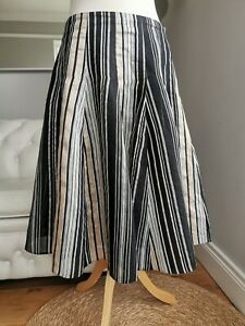 Phase Eight lined linen blend calf length skirt in size UK 12. IMMACUALTE