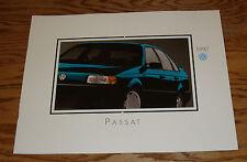 Original 1992 Volkswagen VW Passat Deluxe Sales Brochure 92