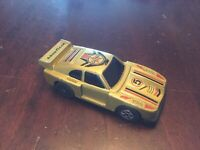 FORD ZAKSPEED CAPRI LEAPING W115 TOY DIECAST COLLECTABLE CAR TIDY