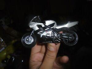Maisto  Street Bike HONDA  F4i black/silver