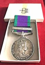 ROYAL GREEN JACKETS (RGJ) NORTHERN IRELAND 'CSM' SILVER MEDAL WITH BOX OF ISSUE