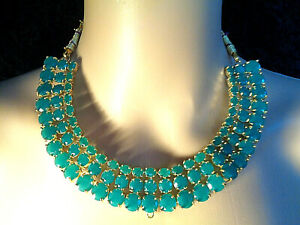 STUNNING HANDMADE LADYS NECKLACE EARRING SET MADE WITH EMERALD GREEN