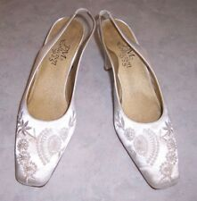 PM COLLECTION 9 2 5 Womens Size 8M White Satin Fabric Slingback Heels