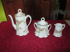3 pièces de forme de service a café 1900 en porcelaine